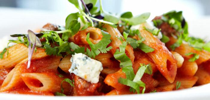 Pasta mit feuriger Champignon Rotwein-Sahne- Sauce