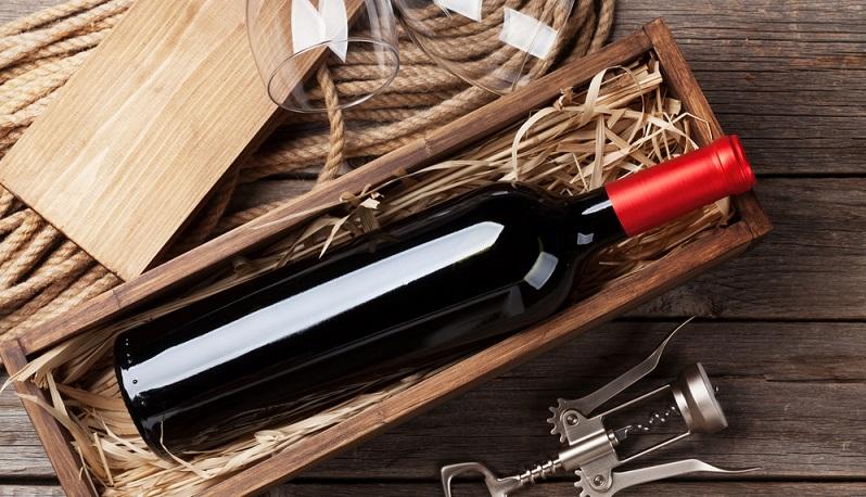 Um einen Weinliebhaber glücklich zu machen, ist das Verschenken einer Flasche – oder mehrerer Flaschen - eines besonders guten Weines immer eine gute Idee.(#03)