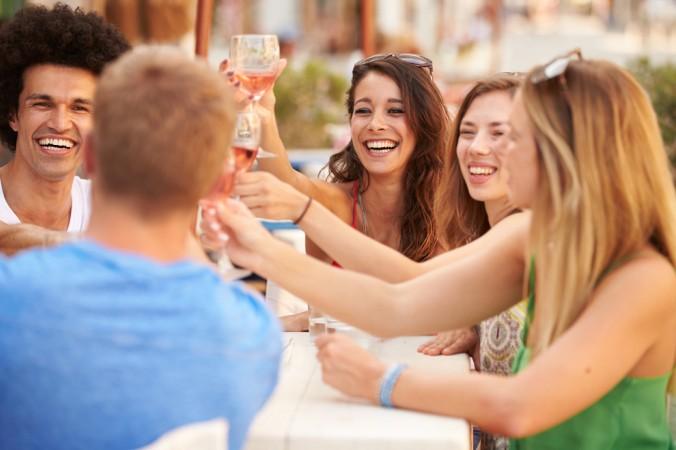 Eine schöne Geschenkidee für gute Freunde: Eine Rosé Wein Probe zum gennießen. (#1)