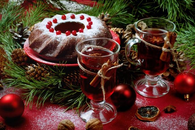 Für Liebhaber von Süßem gibt es selbstverständlich ebenfalls leckere Rotwein Rezepte. Ein Rotweinkuchen, oder auch Gewürzkuchen und dazu ein leckerer Glühwein - ein Genuss nicht nur in der Weihnachtszeit. (#6)