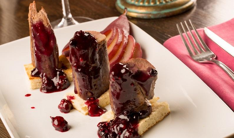 Auch zu Wild sind eingelegte Rotweinbirnen extrem schmackhaft. (#03)