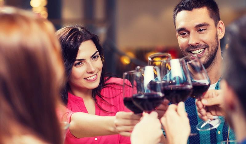 Ein guter Weinexperte ist stets hungrig nach neuen Informationen über Rebsorten und bestimmte Anbaugebiete. Er möchte keinen Trend verpassen, immer up to date bleiben. (#3)