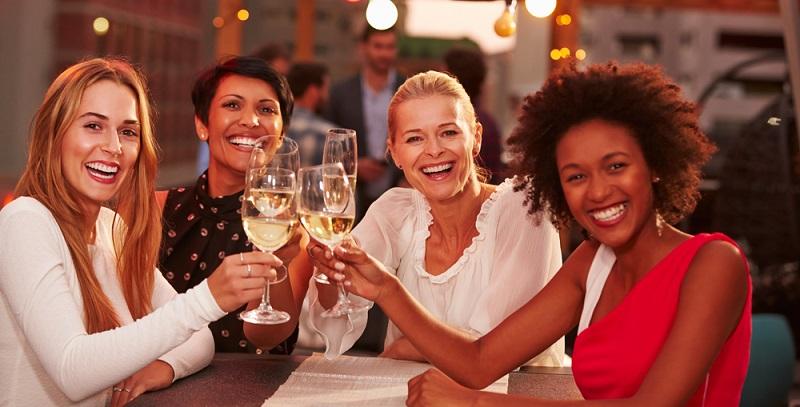 Frauen trinken in Rheinland-Pfalz am wenigsten Wein, im Saarland am meisten.